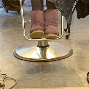 Pre loved size 6 UGG purple boots